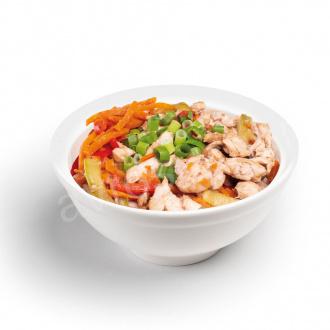 Chicken and vegetableudon noodles