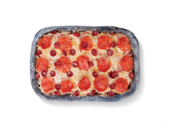Пицца чёрная Мясной пир