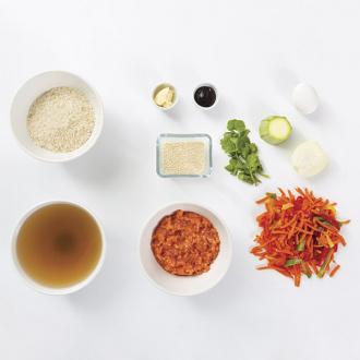 Котлеты из лосося с рисом и овощами