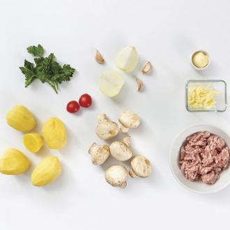 Бифштексы с сыром и картофелем, жаренным с грибами